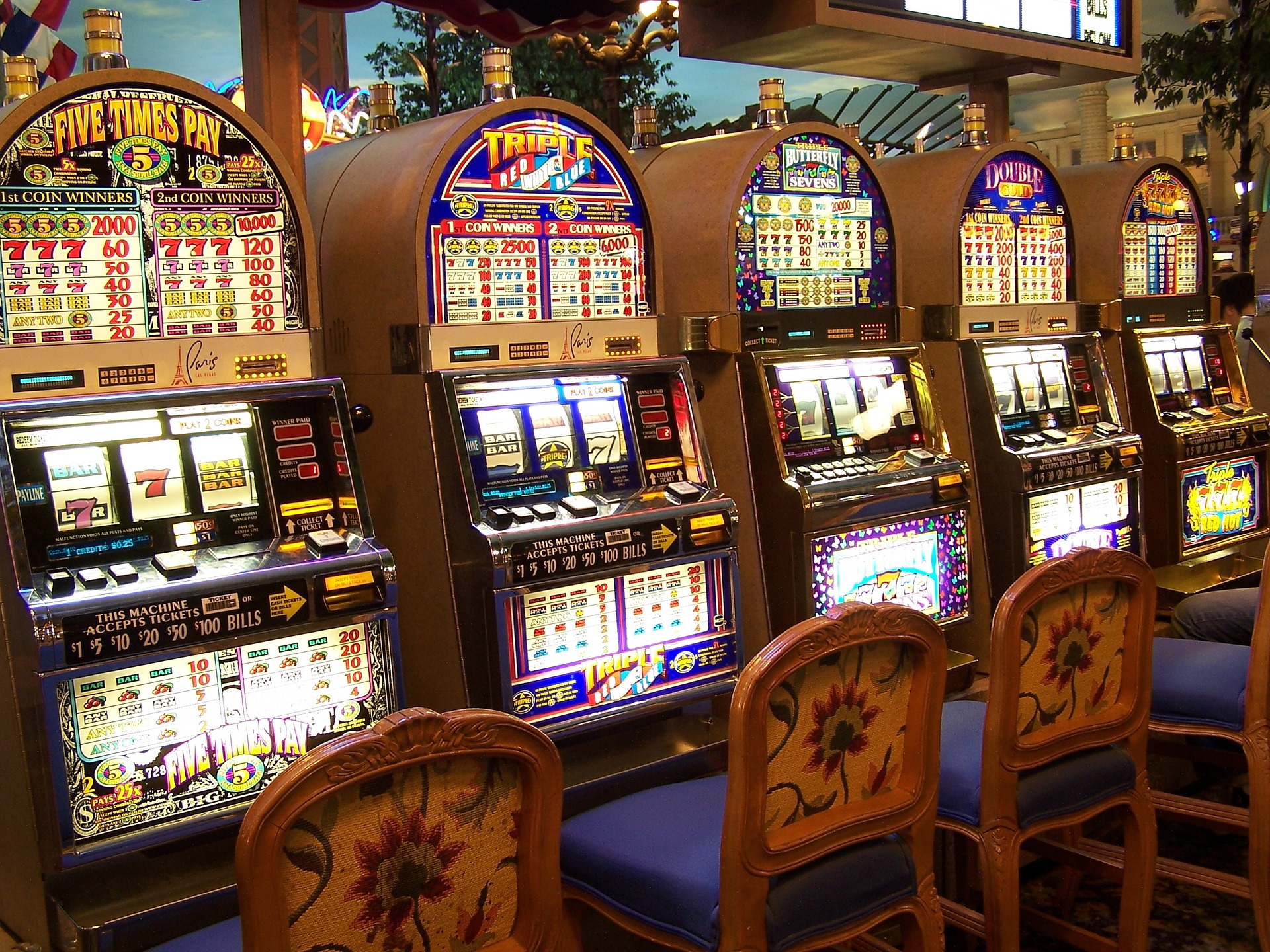 Eight Ways You Can Boost Your Presence With Online Gambling